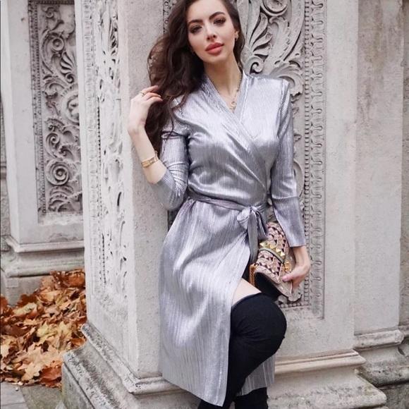 d2bb525c ZARA Metalic Silver Wrap Dress sz L. M_5b0604745512fde8b7670627